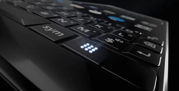 Op donderdag 7 juni zal BlackBerry hun nieuwe KEY2 aan het grote publiek gaan tonen. Als voorproefje op deze introductie heeft BlackBerry een teaser gemaakt waarin al enkele functionaliteiten duidelijk worden. Zo zal de KEY2 gaan beschikken over een dubbele camera en over een toetsenbord met een nog nooit eerder getoonde knop.
