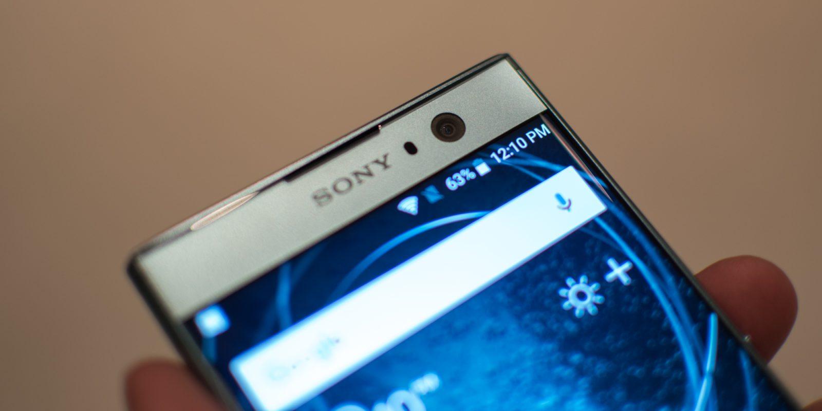 Al geruime tijd maakt Sony fors verlies op hun mobiele tak en deze afdeling is inmiddels ook flink geslonken om het rendabeler te maken. Afgelopen periode heeft Sony hier nog geen vruchten van weten te plukken en blijft deze divisie van Sony nog steeds verliesgevend. Toch heeft Sony aangegeven dat ze nog niet willen stoppen met de Xperia smartphones en dat er zelfs weer wat meer toekomst in zit dan aanvankelijk werd gedacht.