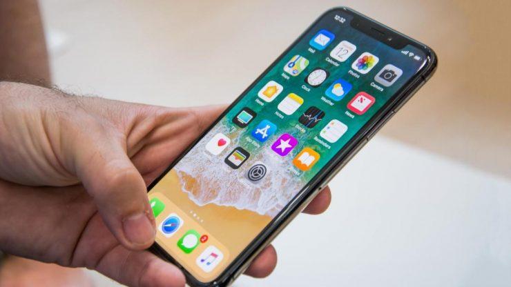 Volgens toeleveranciers heeft Apple inmiddels een bestelling geplaatst voor 80 miljoen nieuwe iPhone's. Het aantal komt volgens toeleveranciers niet overeen met de aantallen die Apple vorig jaar heeft besteld voor de Iphone 8, de iPhone 8 Plus en de iPhone X. Toen werd er een grote bestelling geplaatst voor 100 miljoen iPhone's. Met deze cijfers kunnen wij snel rekenen dat Apple 20% minder besteld ten opzichte van het voorgaande jaar.