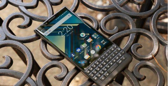 Mogelijk werkt BlackBerry aan een goedkopere variant van hun bestaande KEY2 onder de naam KEY2 Lite. De bestaande KEY2 is zeker geen goedkope smartphone en fans van BlackBerry met een minder dikke portomonnee kunnen dus waarschijnlijk gaan rekenen op een meer betaalbare variant van deze smartphone.