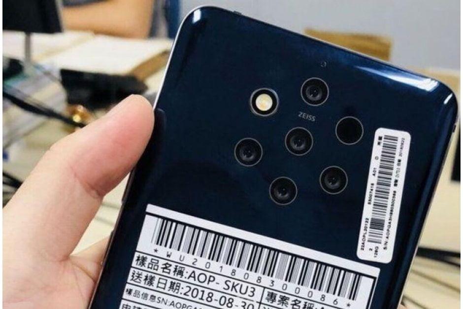 De Nokia 9.3 PureView moet in oktober in de schappen liggen.