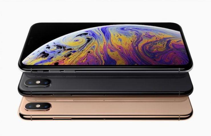 Een vrouw uit Amerika heeft besloten om Apple voor de rechter te brengen. De vrouw wil compensatie aangezien de iPhone XS toch over een notch beschikt. Op huidige afbeeldingen van deze smartphone is de notch niet duidelijk zichtbaar waardoor de indruk wordt gewekt dat de iPhone XS juist niet over deze notch beschikt.