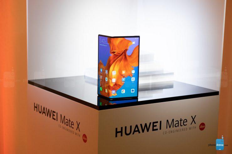 De opvouwbare smartphone is op papier een prima concept. Toch lijken Samsung en Huawei beide problemen te ervaren met de productie en stevigheid van de smartphones. Zowel de Galaxy Fold en de Mate X worden uitgesteld voor verkoop. Het eerstgenoemde model werd al eens eerder uitgesteld na problemen rond het scherm.