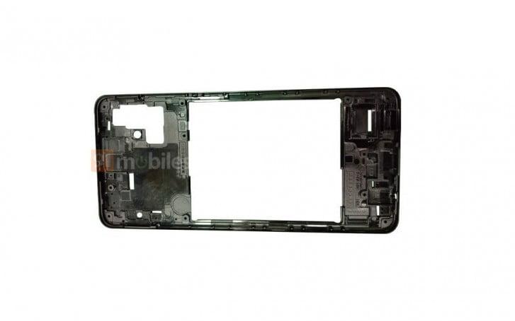 De Galaxy A51 wordt geleverd met een L-vormige quadcamera setup.