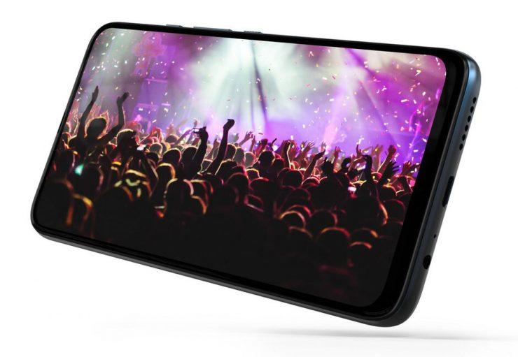 Motorola heeft de One Fusion+ gelanceerd. Het model komt ook in Nederland beschikbaar.
