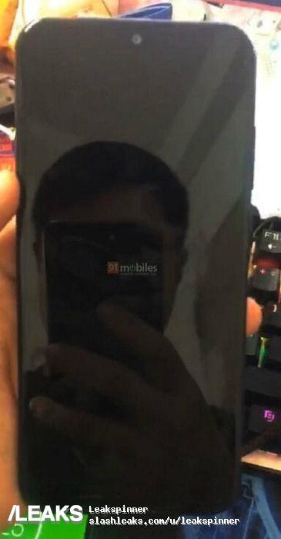 De Motorola Moto E7 Plus heeft zich voor het eerst laten vastleggen op foto's.
